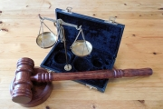Conformidade com o direito da UE pelos Estados Membros: margem para melhorias